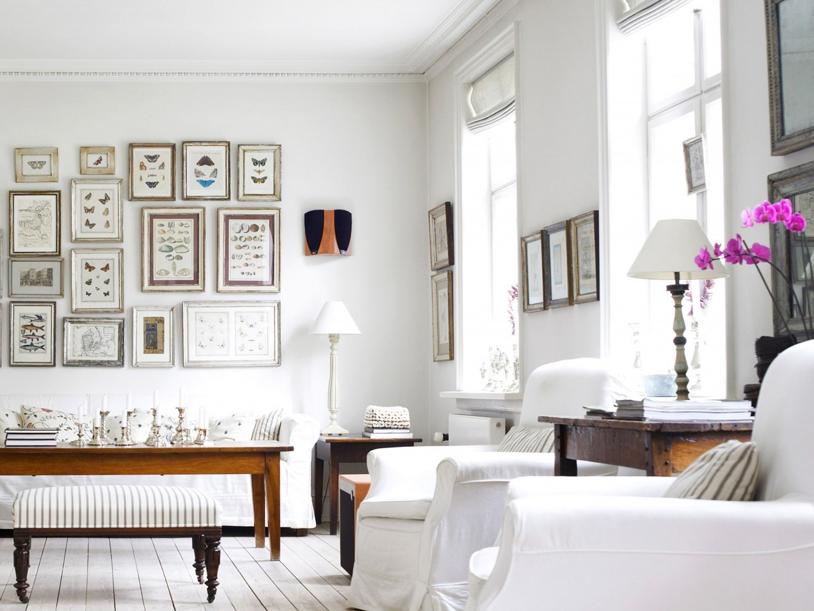 White walls decoration