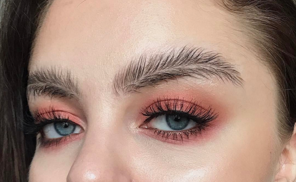 Feather eyebrow trend